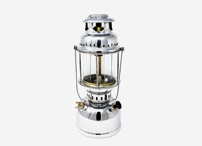 Kerosene Stove / Hurricane Lantern / Petromax
